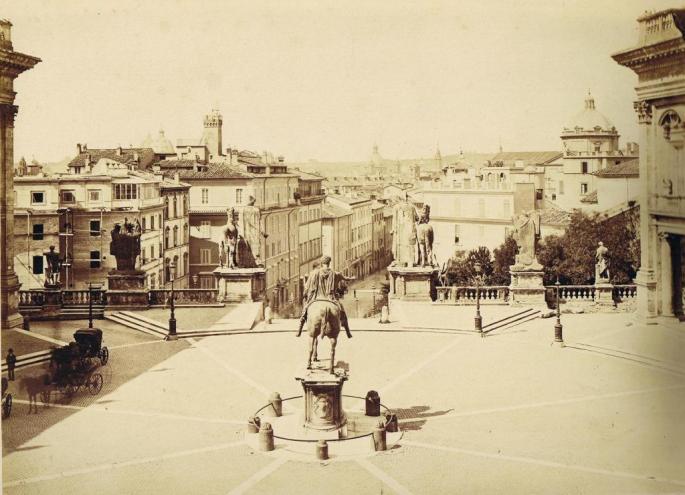 Alinari_-_Statue_Marco_Aurelio_Piazza_Capitolino_Roma_1875