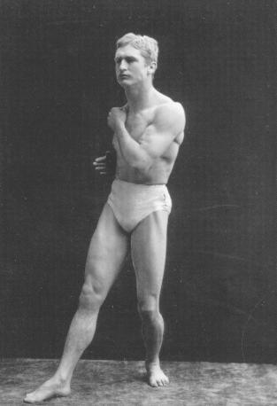 Sarony,_Napoleon_(1821-1896)_-_Bernarr_Macfadden_as_Boxer_-_1905_ca.