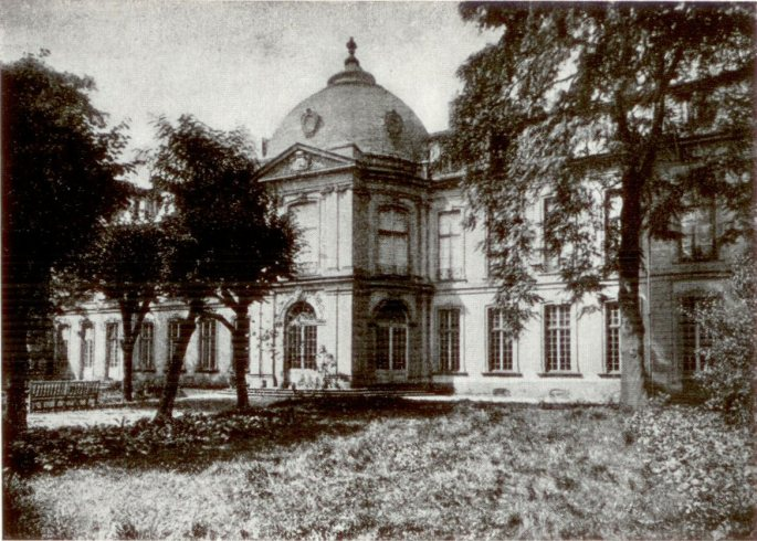 Frankfurt_Palais_Thurn_und_Taxis_Gartenfront_1880
