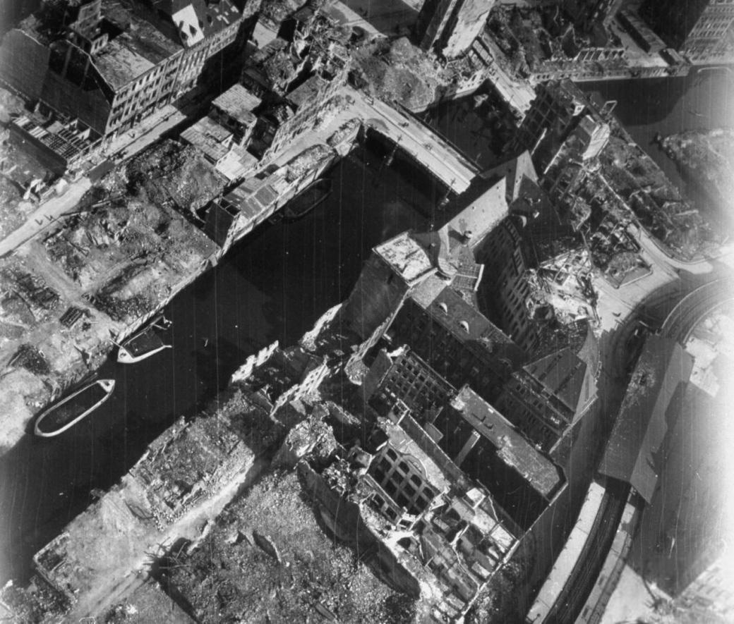 USAAF_Hamburg_Rödingsmarkt_1945