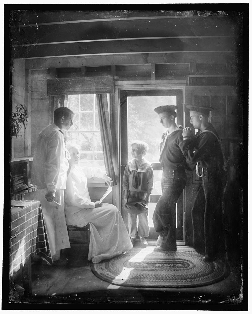 The_Clarence_White_Family_in_Maine_Gertrude_Käsebier_1913